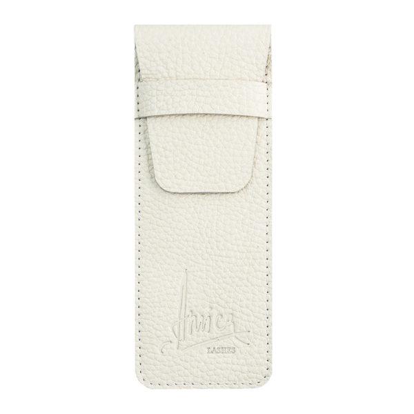Белый чехол от Amica Lashes Cosmetics из натуральной кожидля хранения инструментов мастера: кисти, многофункциональный инструмент. Заказать с доставкой